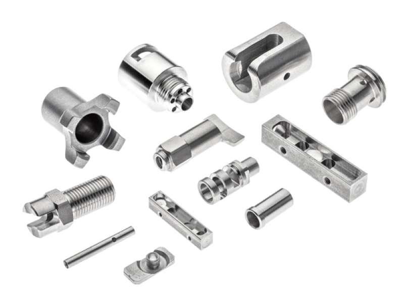 Accessori per cancelli- Recinzioni – Balconi- Mancorrenti- Scale in acciaio lucido e satinato
